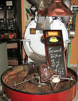 Alter Trommelröster in der Kaffeerösterei